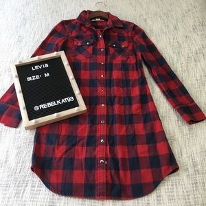 Levi's Button Down shirt blue red medium